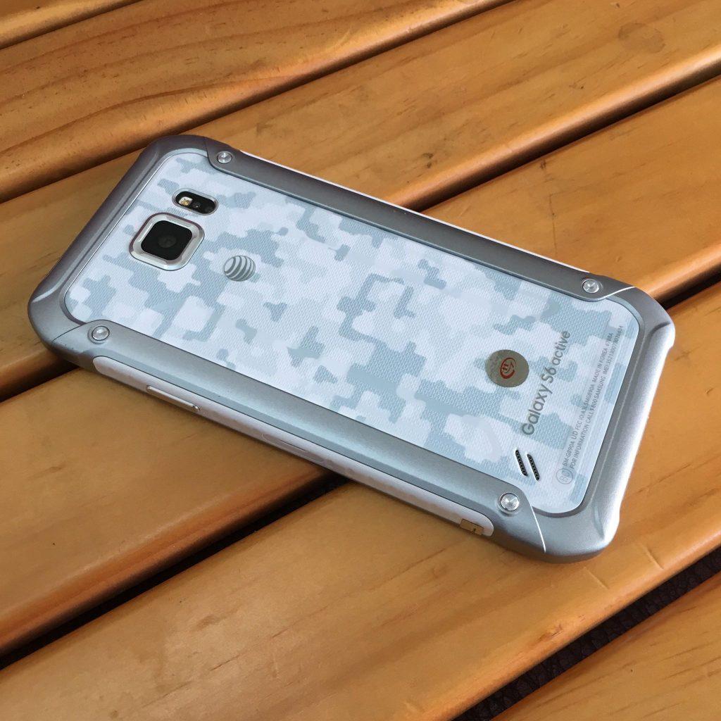 Trải nghiệm chức năng chống nước trên Samsung Galaxy S6 active - 242741