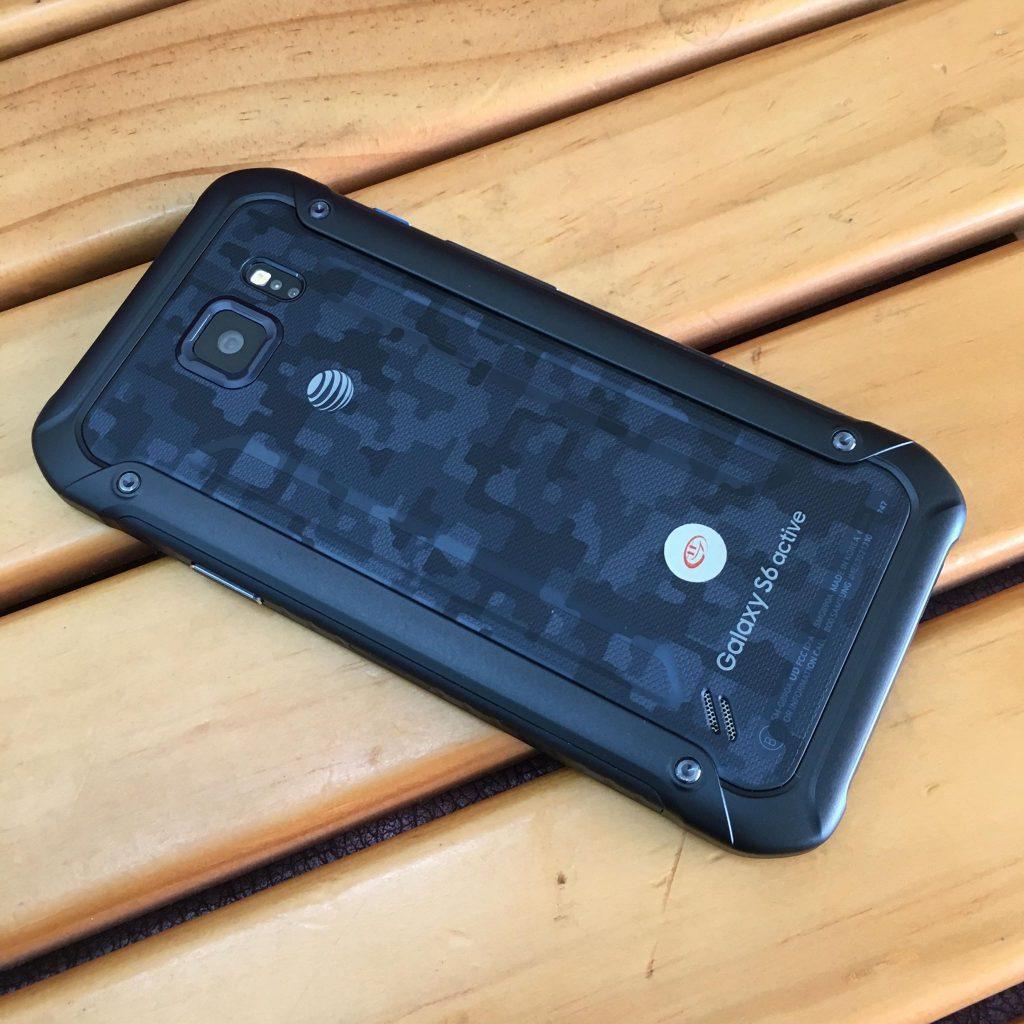Trải nghiệm chức năng chống nước trên Samsung Galaxy S6 active - 242742